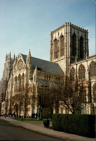 York_Minster_close