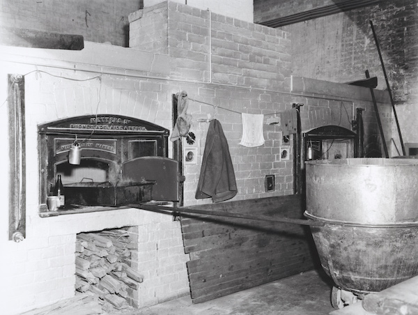 NS2340-1-0022 kitchens wood-fired wall ovens